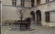 Castello di Issogne - Fontana del Melograno