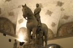 Milano_-_Castello_sforzesco_-_Bonino_da_Campione_(sec._XIV)__Tomba_Bernabò_Visconti_-_Foto_Giovanni_Dall'Orto_-_6-1-2007_-_08