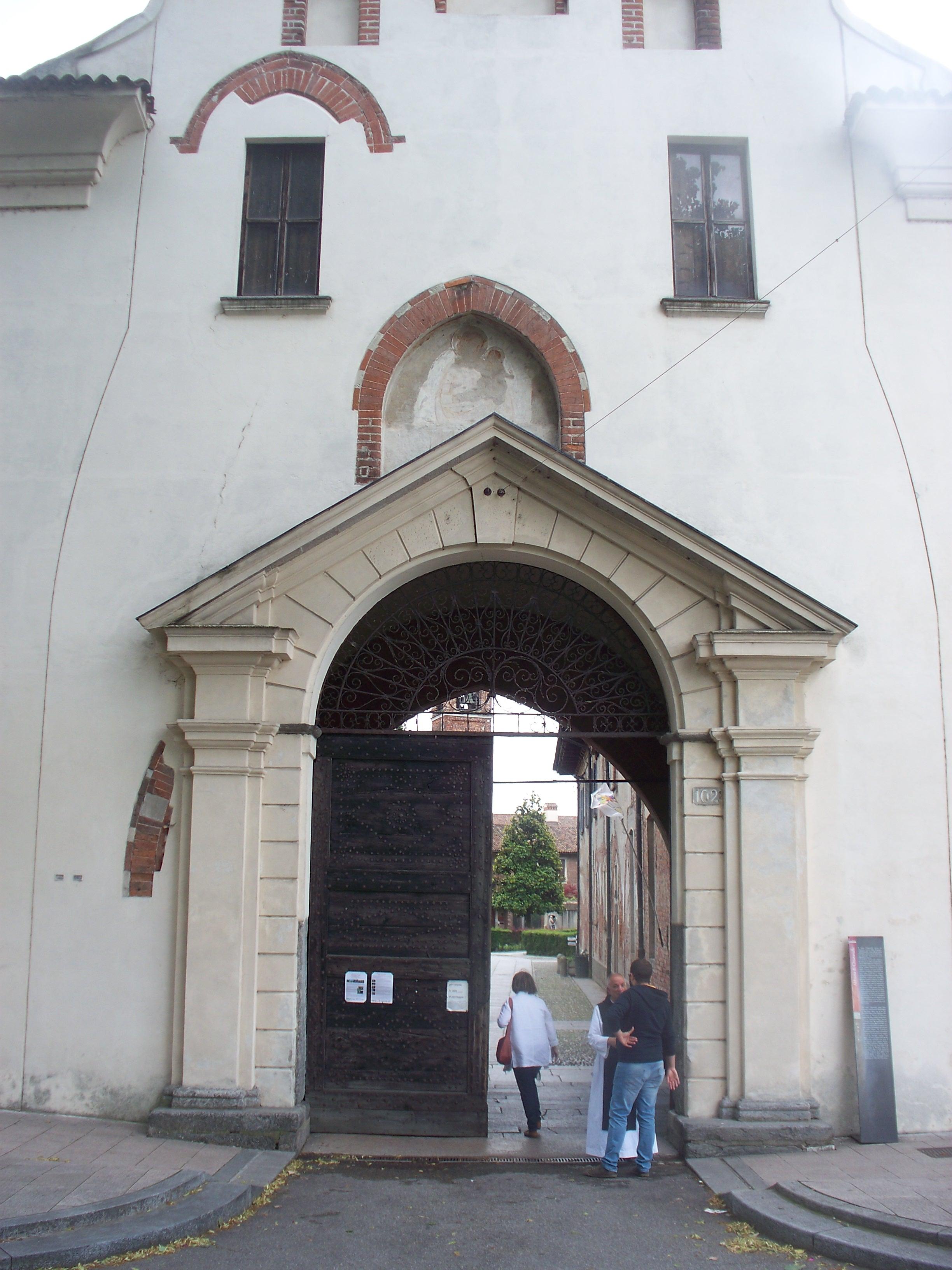 Itinerario abbazia di chiaravalle nutrimento per la mente for Casa del merluzzo del capo con portico