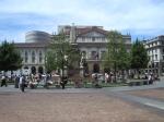 _Piazza_della_Scala_con_statua_di_Leonardo_Da_Vinci